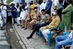 sp mla irfan solanki faces heavy meeting in hotspot area