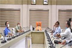 cm yogi gave instructions to officials said  no labor should have