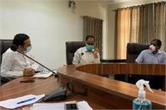 cm yogi holds meeting at circuit house takes tough stance to stop corona
