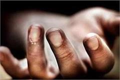 ballia a migrant laborer dies due to electric shock in home quarantine