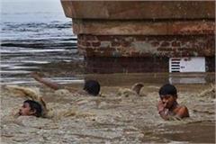impact of lockdown 100 migrant laborers stranded in haryana