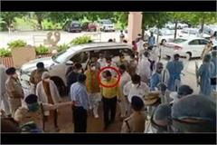 madhya pradesh health minister seen with accused of vyapam scam