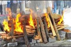 when the young man agreed to burn with friend s funeral pyre at shamsan ghat