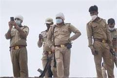 one accused of attacking police arrested in mathura search for another