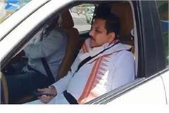 aap mp sanjay singh entered inside up vis by dodging security personnel