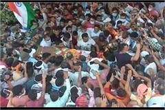 martyr jawan ravi s last visit gathered mass final farewell