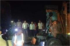 barabanki 2 people killed in truck and dcm collision