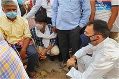 hathras gang rape jitin prasad meets victim family demands for justice soon