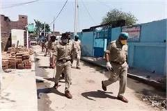 people pelted stones at policemen who arrived with court order