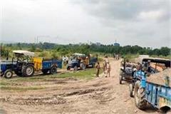 6 tractors seized during mining in yamuna river