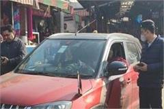 traffic police cut challan for installing flag rod in devotees  car