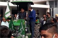 abhay s tractor rally from chandigarh will end at singhu border