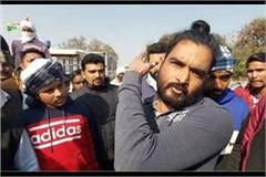 police stopped farmers moving towards the venue farmers expressed protest