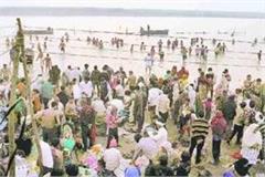 millions of devotees take a dip in chota prayag in gonda on