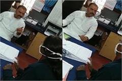 congress leader s woman tehsildar threatened