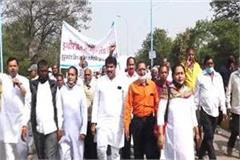 warning of shivraj government to workers of hukumchand mill