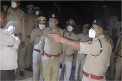 police attack in kanpur two injured