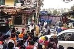 tractor riding devotees from punjab broke the barrier in mehatpur