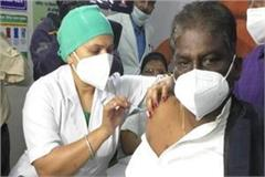 mp s health minister s first dose of the le corona vaccine
