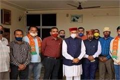 retired soldiers joined bjp dhumal dressed in a party joined the party
