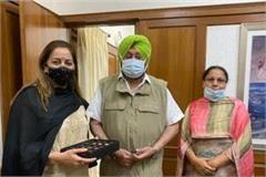 dr seenu duggal and baldeep kaur meet cm captain after getting ias cadre