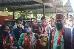 bjp leaders raised this demand to protest the assembly ruckus