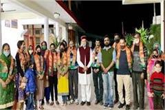 2 dozen people left congress and joined bjp