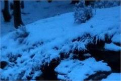 small vehicles slipped in snowfall ahead of solanganala