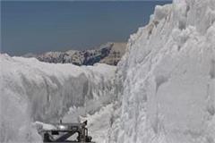 himachal rains and snowfall manali leh road closed again