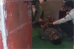 traffic constable hanged in police station premises