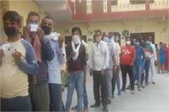 voting continues in agra overwhelming enthusiasm