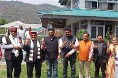 bjp claims majority in dharamshala independents sarvchand came to bgp