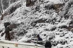 ambulance overturned after snowfall in rohtang