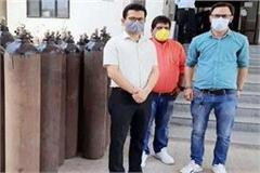 anurag thakur sends 50 oxygen cylinders to covid care center nit