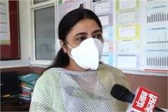 dr jasjeet kaur praised lab in charge dr neeraj arora