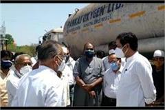 cm of chhattisgarh send oxygen tanker to mp