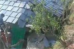 landslide-occurred-on-sharni-pini-road