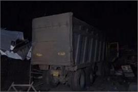 gujarat dumper crushed 18 laborers sleeping on footpath in surat 13 killed
