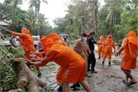 cyclone toute havoc 73 villages affected in karnataka 6 dead