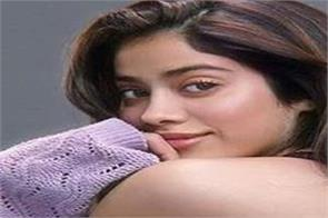 janhvi kapoor was jealous of khushi kapoor he wrote i couldn t share it