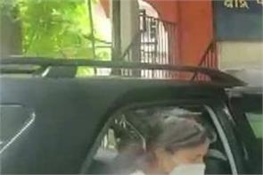 rhea chakraborty is present at bandra police station