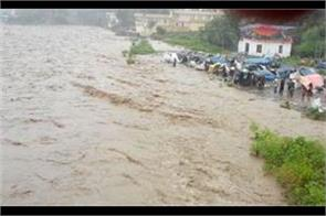 flash flood in kashmir one died