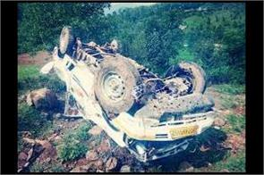 one killed in mendhar accident 11 injured