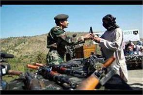 2 militants shun mlitancy in pulwama