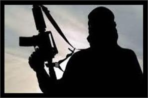 two persons injured after attacked by gunmen in shopian