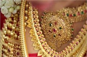 gold prices up by rs 100 silver tumbles rs 140