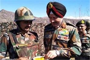 northern commander celebrate diwali at loc poonch