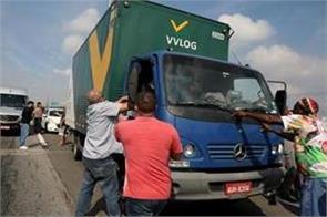 brazil truckers suspend strike govt to subsidise diesel prices