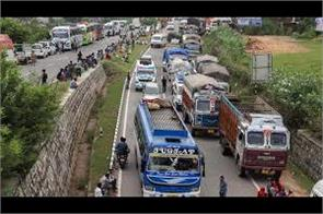 one way traffic on jammu srinagar highway on second day
