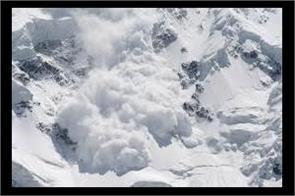 avalanche hits aru pahalgam 3 dead
